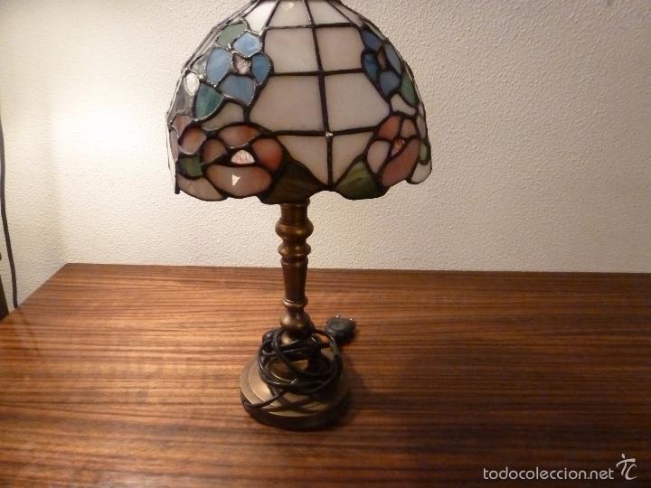 LAMPARA DE SOBREMESA DE BRONCE Y TULIPA TIFFANY (Antigüedades - Iluminación - Candelabros Antiguos)