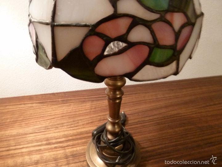 Antigüedades: lampara de sobremesa de bronce y tulipa tiffany - Foto 2 - 55662116