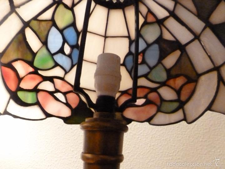 Antigüedades: lampara de sobremesa de bronce y tulipa tiffany - Foto 8 - 55662116