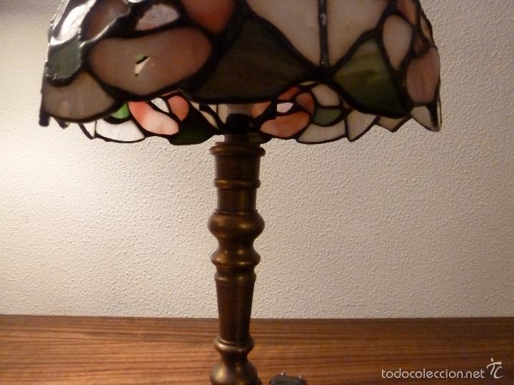 Antigüedades: lampara de sobremesa de bronce y tulipa tiffany - Foto 10 - 55662116