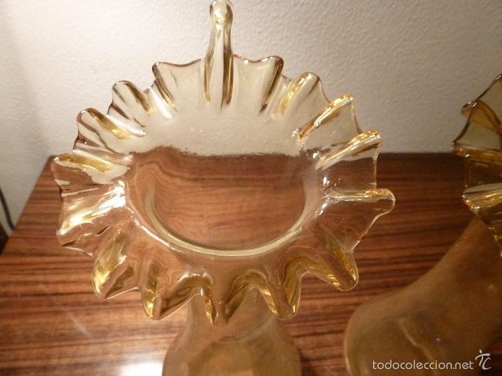Antigüedades: dos jarrones de cristal amarillo - Foto 6 - 55664106