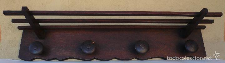 PERCHA DE MADERA CON REPISA (Antigüedades - Muebles Antiguos - Auxiliares Antiguos)