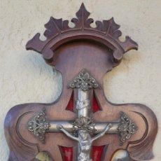 Antigüedades: ANTIGUO CRUCIFIJO MODERNISTA CON BENDITERO DE PORCELANA. Lote 55690469