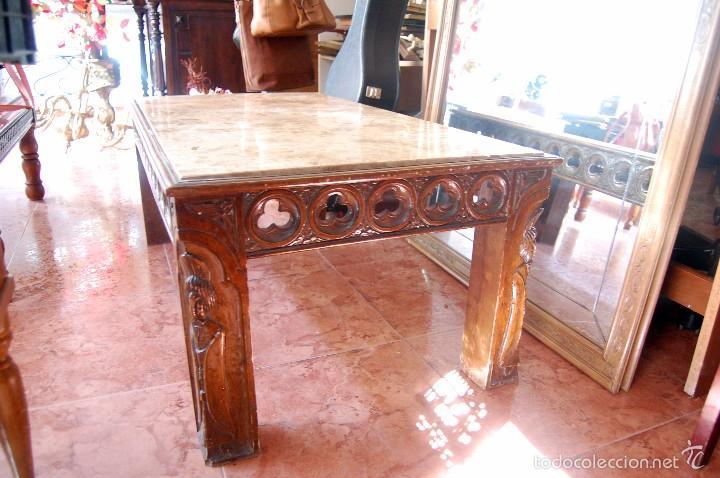 MESA ANTIGUA DE MÁRMOL Y MADERA CON RELIEVES TALLADOS (Antigüedades - Muebles Antiguos - Mesas Antiguas)