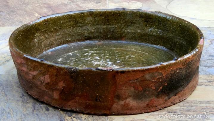 Antigüedades: CAZUELA DE BARRO VITRIFICADO - PRECIOSO TONOS VERDOSOS CON BONITOS REFLEJOS - RECIPIENTE HORNO - Foto 9 - 55692981