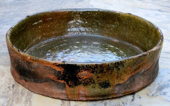 Antigüedades: CAZUELA DE BARRO VITRIFICADO - PRECIOSO TONOS VERDOSOS CON BONITOS REFLEJOS - RECIPIENTE HORNO - Foto 26 - 55692981