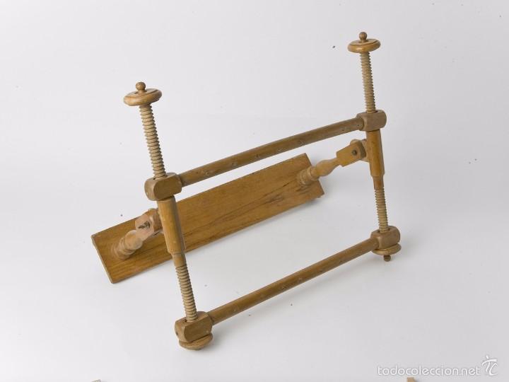 ANTIGUO BASTIDOR DE COSTURA, MADERA TORNEADA (Antigüedades - Técnicas - Rústicas - Utensilios del Hogar)