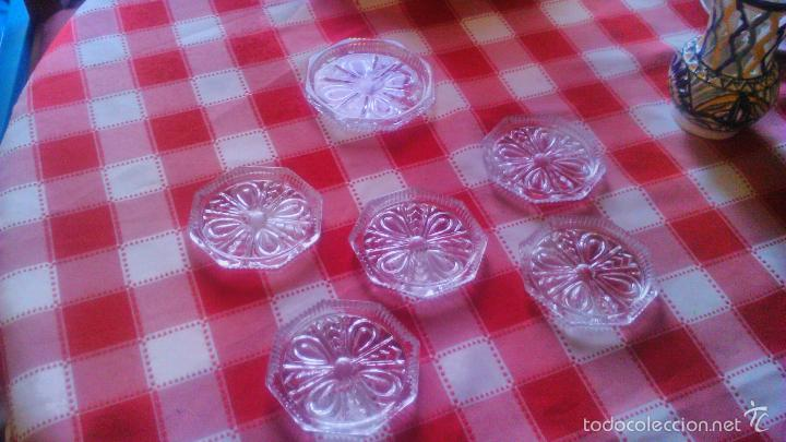 Antigüedades: Juego de posavasos de cristal de bohemia. - Foto 2 - 55697322