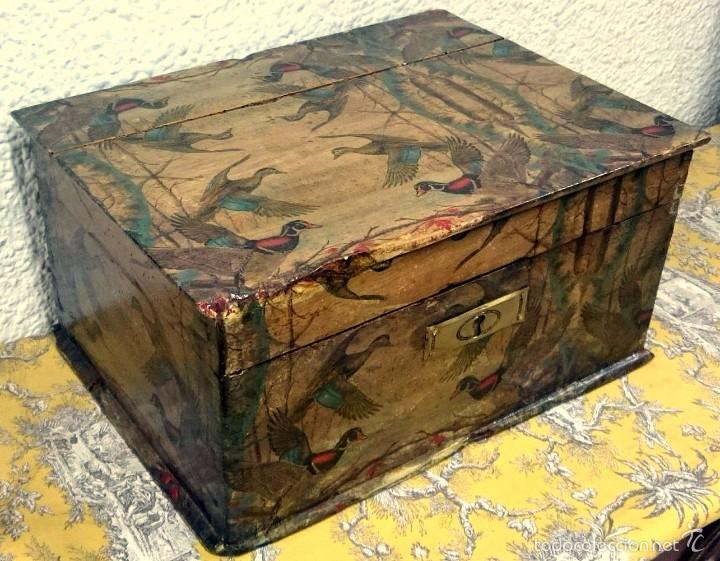antigua arqueta caja antigua de madera decorada con motivos de patos siglo xix