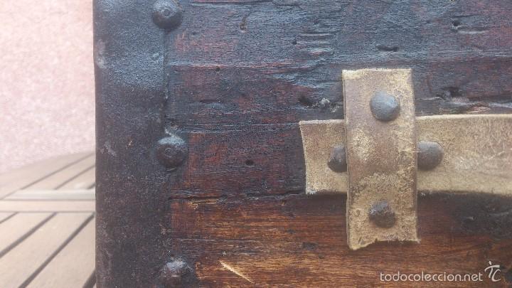Antigüedades: ANTIGUO BAUL CON CERRADURA Y LLAVE FUNCIONANDO, SIGLO XVIII - XIX . - Foto 22 - 55788518