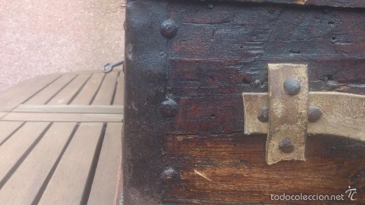 Antigüedades: ANTIGUO BAUL CON CERRADURA Y LLAVE FUNCIONANDO, SIGLO XVIII - XIX . - Foto 26 - 55788518