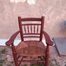 Antigüedades: SILLÓN RÚSTICO DE CHIMENEA,CON BASE DE ANEA. Lote 55791518