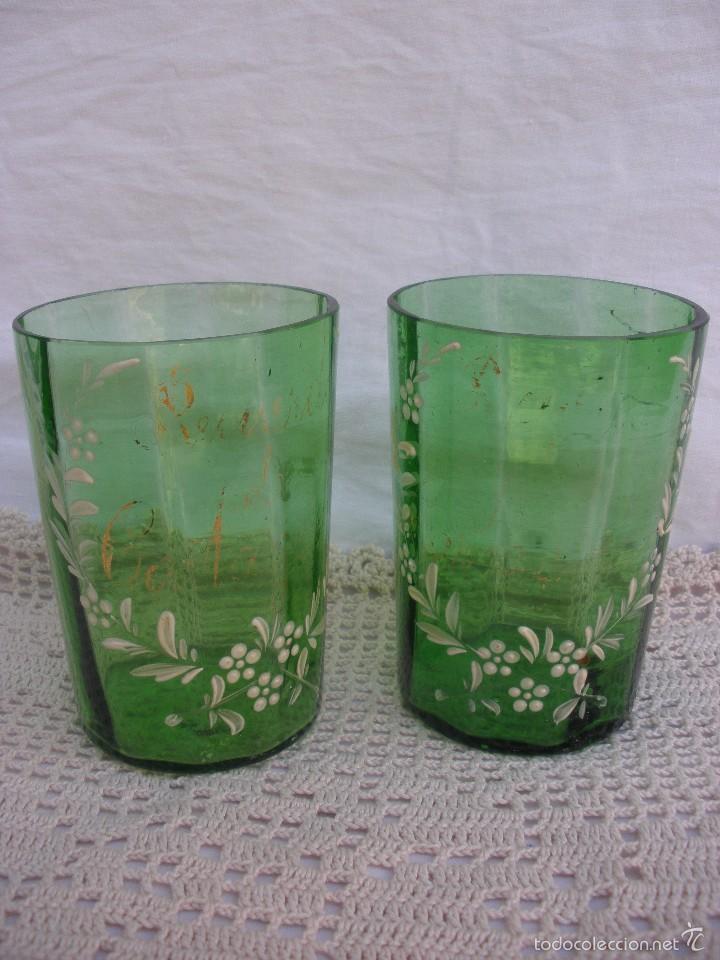 Antigüedades: ANTIGUOS Vasos de cristal verde de Santa Lucia con leyenda Recuerdo de Cartagena - Foto 2 - 55806241