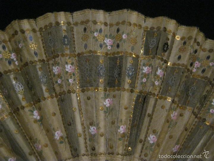 Antigüedades: ANTIGUO ABANICO SEDA DECORADA Y VARILLAS DE HUESO S.. XIX - Foto 3 - 55816499