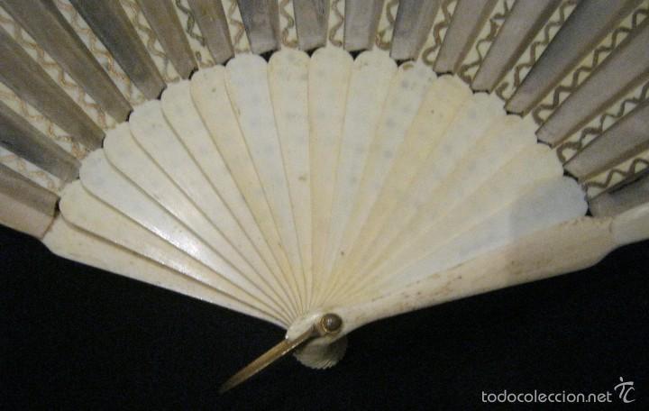 Antigüedades: ANTIGUO ABANICO SEDA DECORADA Y VARILLAS DE HUESO S.. XIX - Foto 8 - 55816499