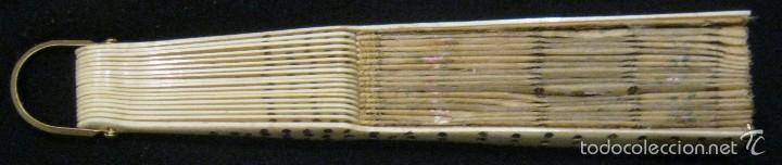 Antigüedades: ANTIGUO ABANICO SEDA DECORADA Y VARILLAS DE HUESO S.. XIX - Foto 10 - 55816499