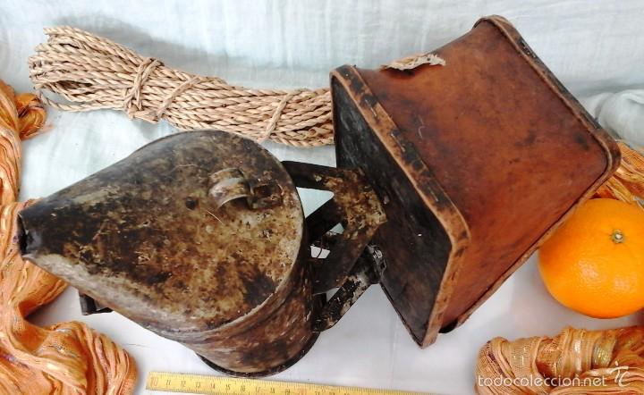 Antigüedades: AHUMADOR MUY VIEJITO. UTILIZADO EN APICULTURA PARA TRANQUILIZAR A LAS ABEJAS: - Foto 2 - 55889973