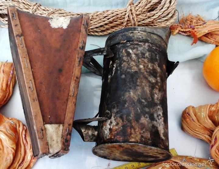 Antigüedades: AHUMADOR MUY VIEJITO. UTILIZADO EN APICULTURA PARA TRANQUILIZAR A LAS ABEJAS: - Foto 4 - 55889973