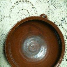 Antigüedades: CAZUELA VIDRIADA DE BARRO ANTIGUO. Lote 55928796