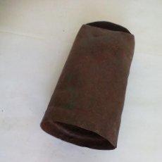 Antigüedades: ANTIGUO CENCERRO DE METAL, PARA GANADO, GANADERÍA. CAMPANO. SIN BADAJO. 17 X 8,5 CM. Lote 55945970