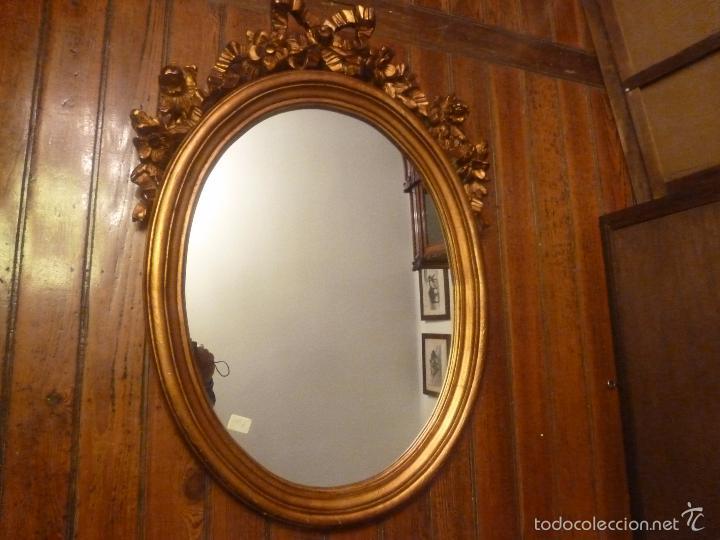 Espejo dorado ovalado de madera comprar espejos antiguos for Espejo ovalado dorado