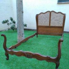 Antigüedades: PERFECTO ESTADO CAMA ESTILO LUIS XV CAOBA. Lote 56016375