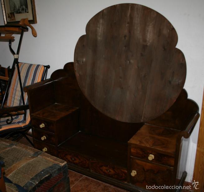BONITO TOCADOR ANTIGUO ART DECO, AÑOS 30, MADERA BUENA CHAPADA (Antigüedades - Muebles - Cómodas Antiguas)