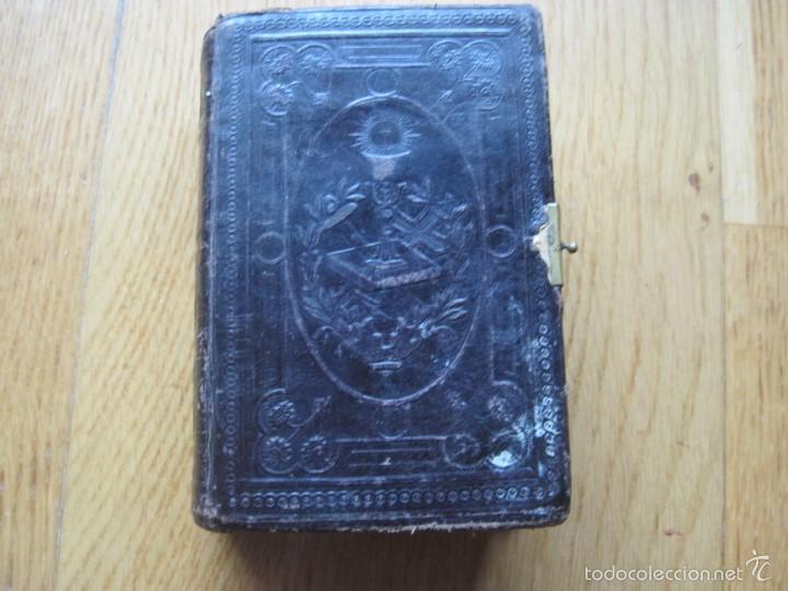 ANTIGUO MISAL TAPAS DE PIEL (Antigüedades - Religiosas - Varios)