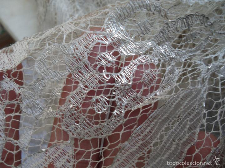Antigüedades: ESPECTACULAR BLONDA FRANCESA ENCAJE 460X87 PLATA METALICA SOBRE BLANCO SEMANA SANTA VIRGEN TOCADO - Foto 17 - 56084109