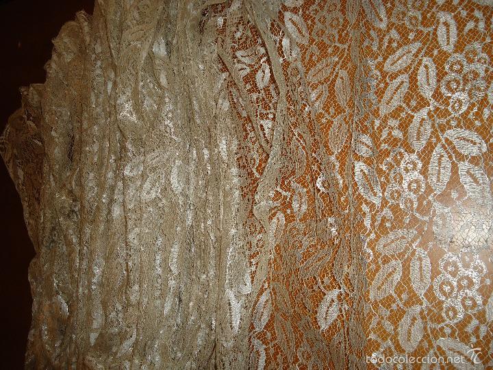 Antigüedades: ESPECTACULAR BLONDA FRANCESA ENCAJE 460X87 PLATA METALICA SOBRE BLANCO SEMANA SANTA VIRGEN TOCADO - Foto 38 - 56084109