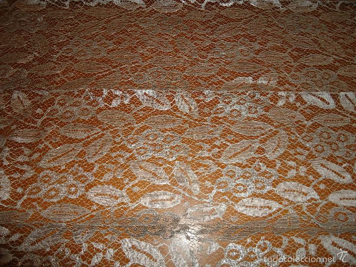 Antigüedades: ESPECTACULAR BLONDA FRANCESA ENCAJE 460X87 PLATA METALICA SOBRE BLANCO SEMANA SANTA VIRGEN TOCADO - Foto 40 - 56084109