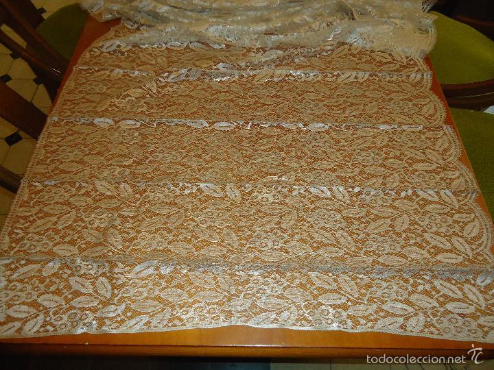 Antigüedades: ESPECTACULAR BLONDA FRANCESA ENCAJE 460X87 PLATA METALICA SOBRE BLANCO SEMANA SANTA VIRGEN TOCADO - Foto 41 - 56084109