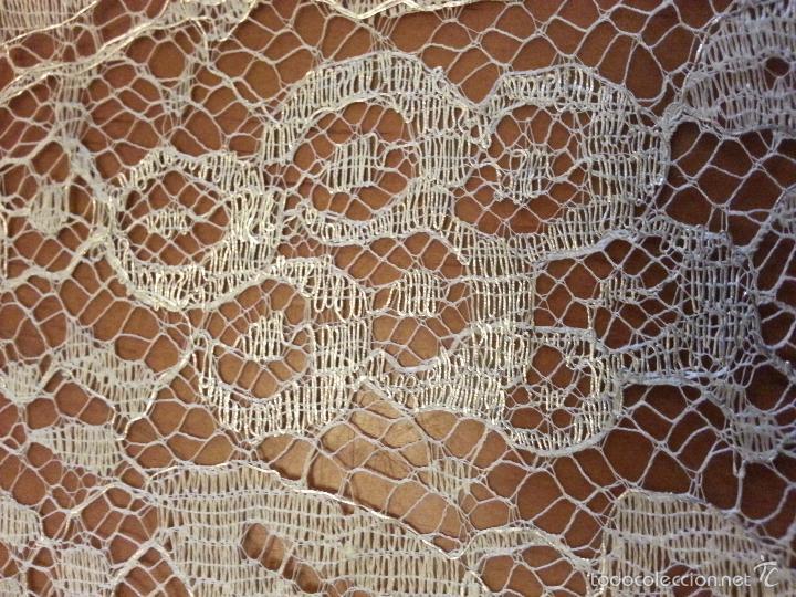 Antigüedades: ESPECTACULAR BLONDA FRANCESA ENCAJE 460X87 PLATA METALICA SOBRE BLANCO SEMANA SANTA VIRGEN TOCADO - Foto 46 - 56084109