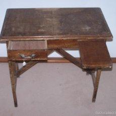 Antigüedades: PEQUEÑO ESCRITORIO INFANTIL. Lote 56085355