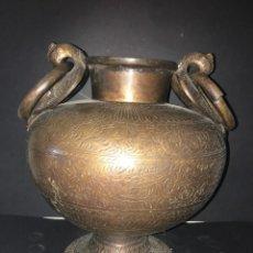 Antigüedades: JARRON GRABADO DE HIERRO FUNDIDO. Lote 56096429