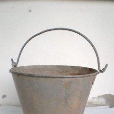 Antigüedades: ANTIGUO CUBO-CALDERO O POZAL PARA SACAR AGUA DEL POZO, CÓNICO, METAL, ALT. 27 X 31 CM.DIAM. BOCA. Lote 56104239