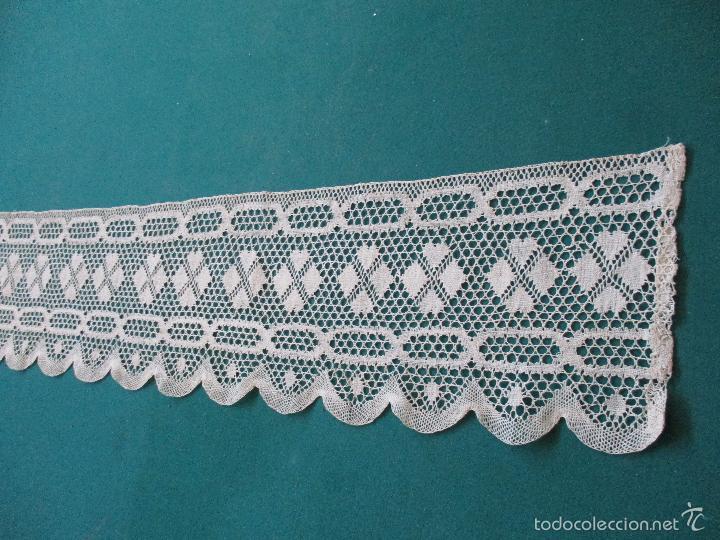 Antigüedades: Antigua puntilla - hecha a bolillos - Largo - 430 cm - Ancho - 16 cm - Foto 2 - 56117760