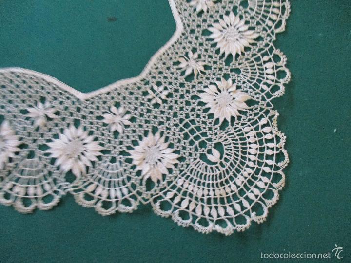 Antigüedades: Antigua puntilla - hecha a bolillos -con filigrana -pude ser para cortina, juego de cama- 4 apliques - Foto 2 - 56118057