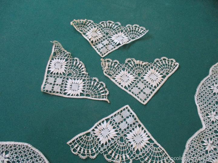 Antigüedades: Antigua puntilla - hecha a bolillos -con filigrana -pude ser para cortina, juego de cama- 4 apliques - Foto 11 - 56118057
