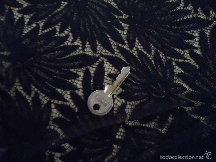 Antigüedades: 4,30 M LUJOSA TELA BORDADA PERFECTA TRAJE MANTILLA LUTO BODA MADRINA VIRGEN DOLOROSA SEMANA SANTA - Foto 13 - 56119953