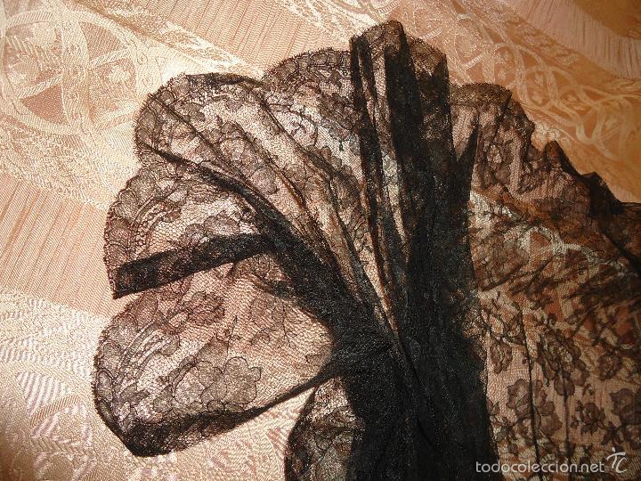 Antigüedades: 4 METROS X 90 CM ANCHO ENCAJE TUL BORDADO TIPO MANTILLA CHANTILLI CHANTILLY SEMANA SANTA VIRGEN - Foto 10 - 56121094