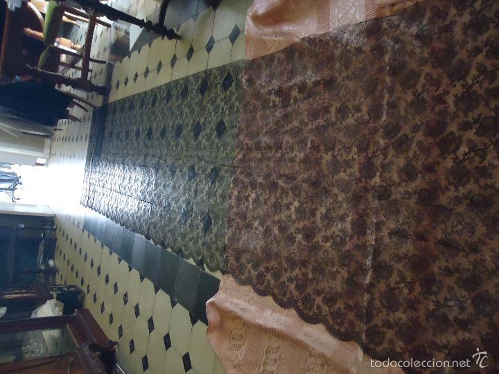 Antigüedades: 4 METROS X 90 CM ANCHO ENCAJE TUL BORDADO TIPO MANTILLA CHANTILLI CHANTILLY SEMANA SANTA VIRGEN - Foto 15 - 56121094