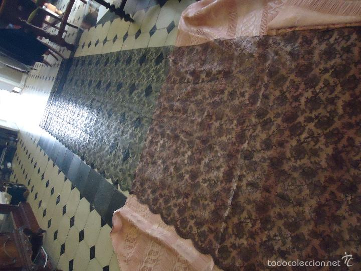 Antigüedades: 4 METROS X 90 CM ANCHO ENCAJE TUL BORDADO TIPO MANTILLA CHANTILLI CHANTILLY SEMANA SANTA VIRGEN - Foto 17 - 56121094