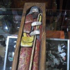 Antigüedades: TALLA DE MADERA PINO - FRAILE POLICROMADO PARA COLGAR MEDIDA 53 X 14 CM.. Lote 56163456