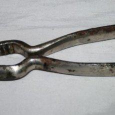Antigüedades: ANTIGUAS PINZAS DE MARISCO O CASCANUECES D R G M. Lote 56163683
