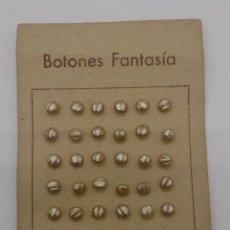Antigüedades: LOTE DE 36 BOTONES DE FANTASÍA ANTIGUOS CON ACABADO NACARADO DE 6 MM DE DIÁMETRO .. Lote 56166835