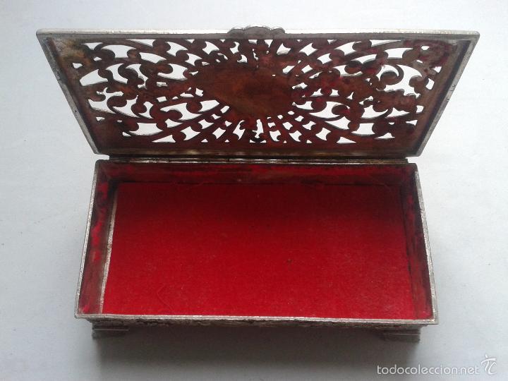 Antigüedades: Caja - Joyero de metal con motivos florales. - Foto 2 - 56169664