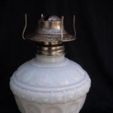 Antigüedades: ANTIGUO QUINQUE OPALINA BLANCA DE LA MARCA ANCHOR HOCKING. Lote 56178589