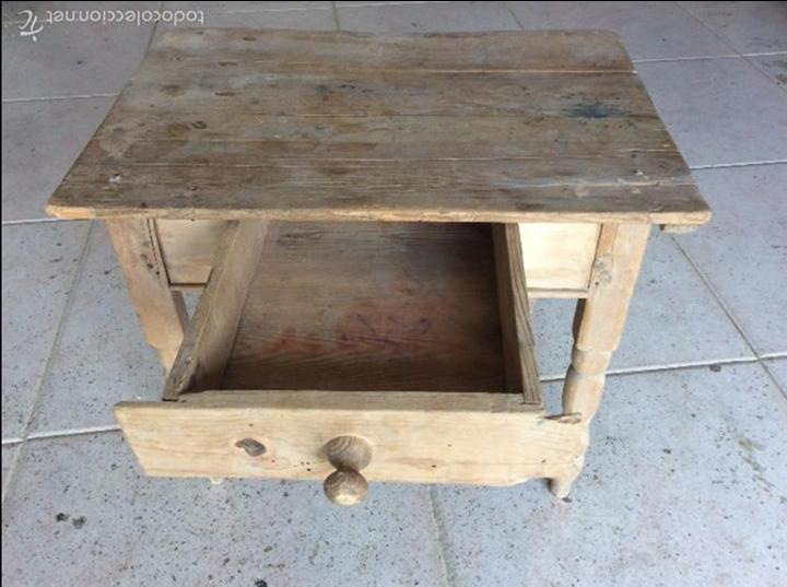 Antigüedades: Pequeña mesa rustica 43 cm de alta y 53x37 de tablero - Foto 2 - 128241675