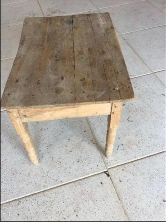 Antigüedades: Pequeña mesa rustica 43 cm de alta y 53x37 de tablero - Foto 3 - 128241675